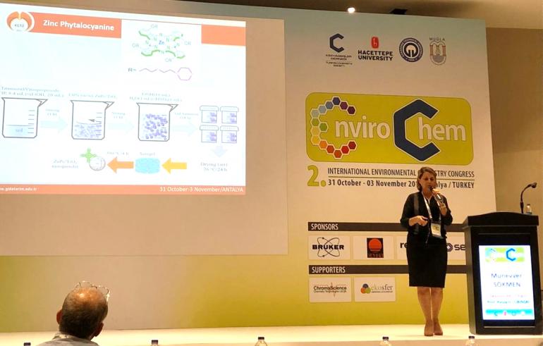 """Mühendislik ve Mimarlık Fakültesi Dekanımız Prof. Dr. Münevver Sökmen """"2nd International Environmental Chemistry Congress (EnviroChem) 2019"""" Etkinliğine Katıldı"""