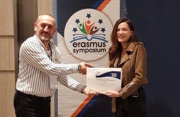 İç Mimarlık Bölümü Araştırma Görevlimiz Gökçe Onur, 3. Erasmus Uluslararası Akademik Araştırmalar Sempozyumuna Katıldı
