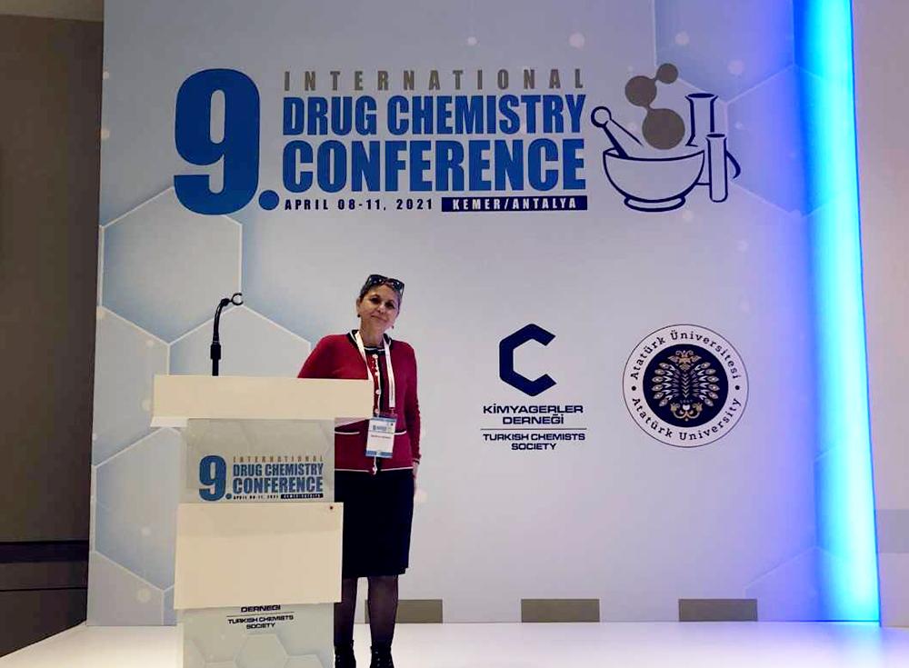 Mühendislik ve Mimarlık Fakültesi Dekanımız Prof. Dr. Münevver Sökmen 9. Uluslararası İlaç Kimyası Kongresine Katıldı