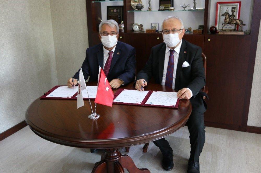 Üniversitemiz ile Karamanoğlu Mehmetbey Üniversitesi Arasında İşbirliği Protokolü İmzalandı