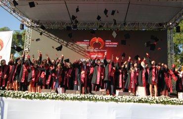 Konya Gıda ve Tarım Üniversitesi İlk Mezuniyet Törenini Yaptı, Diplomasını Alan Mezunlar Torku'da Hemen İşe Başladı