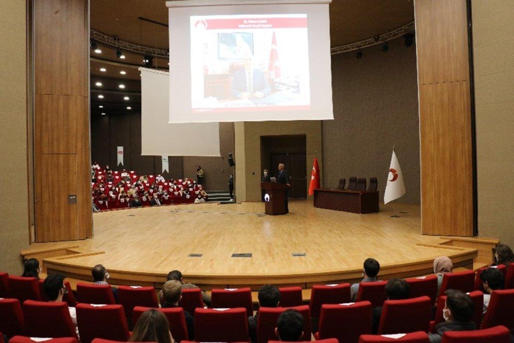 Yeni Öğrencilerimiz İçin Üniversitemizde Oryantasyon Programı Düzenlendi